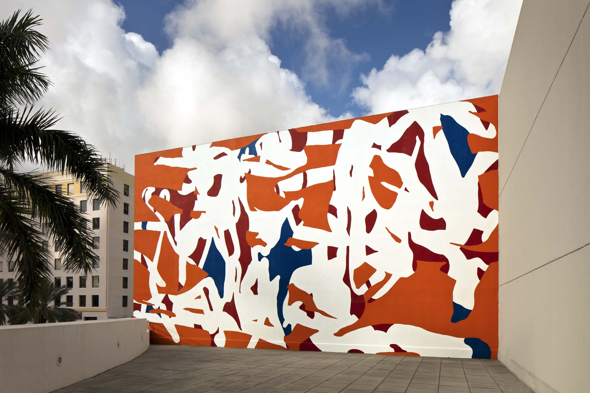 Arturo Herrera, Band, 2011, wall painting commissioned by NSU Art Museum Fort Lauderdale, gift of Tina and Carlo Bilotti, by exchange. Located on the Peck Terrace.